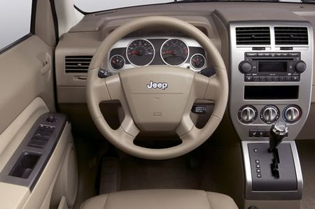 jeep_compass_salon