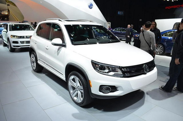 volkswagen tiguan r line 2014 volkswagen tiguan. Black Bedroom Furniture Sets. Home Design Ideas